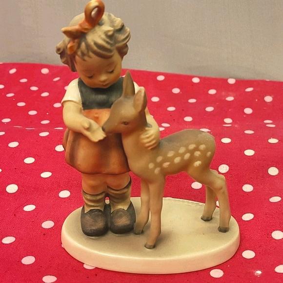 Vintage Rare hummel girl feeding a deer #136